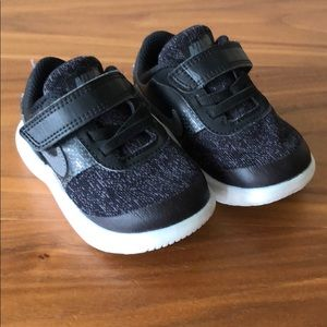 Nike Comfort Flex Sneakers